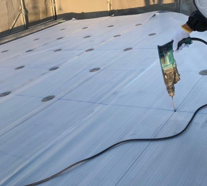 米原市のアパートの屋根防水下地写真②