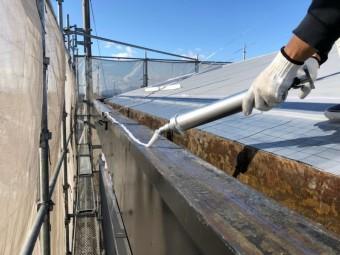 米原市アパート屋根防水先端部分ウレタン防水①