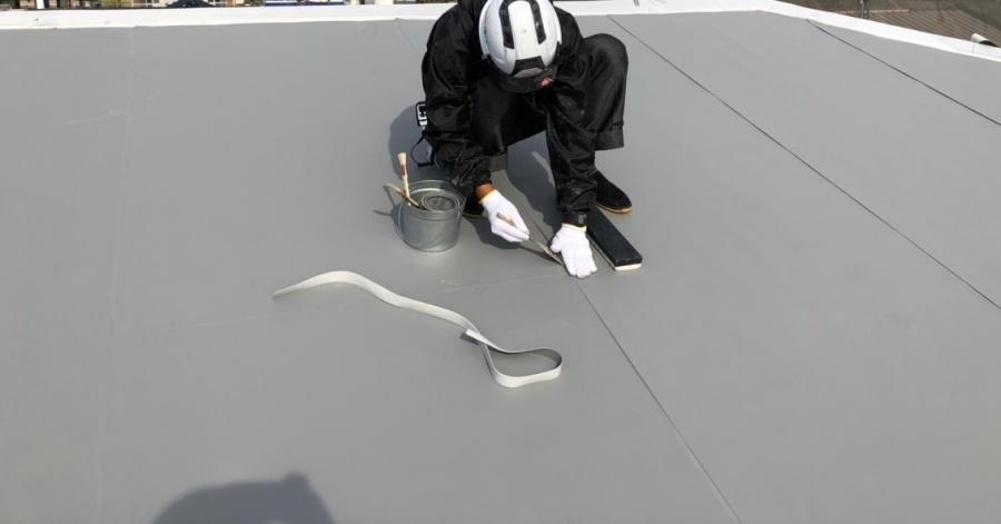 米原市のアパートの屋根防水塩ビシート写真②