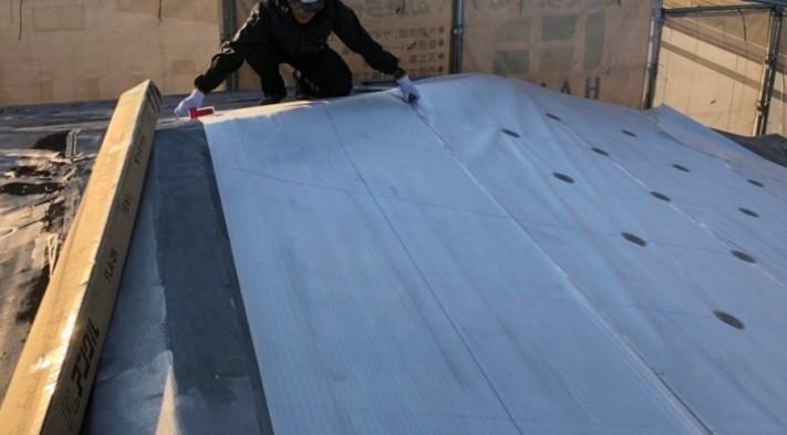 米原市のアパートの屋根防水下地写真①