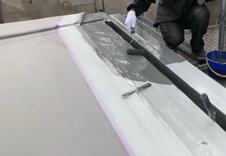 米原市アパート屋根防水先端部分ウレタン防水⑦