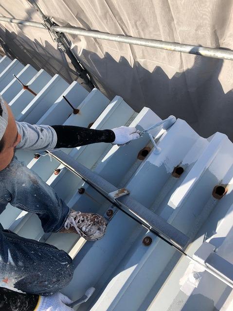 折板屋根下塗り (1)