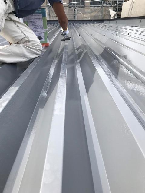 折板屋根上塗り(1)