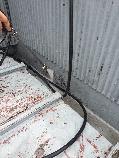 瓦棒屋根高圧洗浄1
